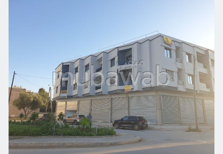 Sell apartment in Nouvelle Ville. 4 Common room. Residence with caretaker, general air conditioning.
