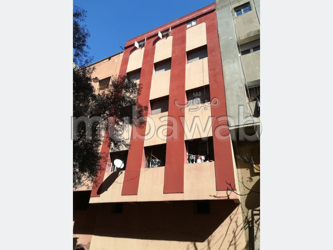Home to buy in Sidi Moumen. 5 large rooms. Private car park.