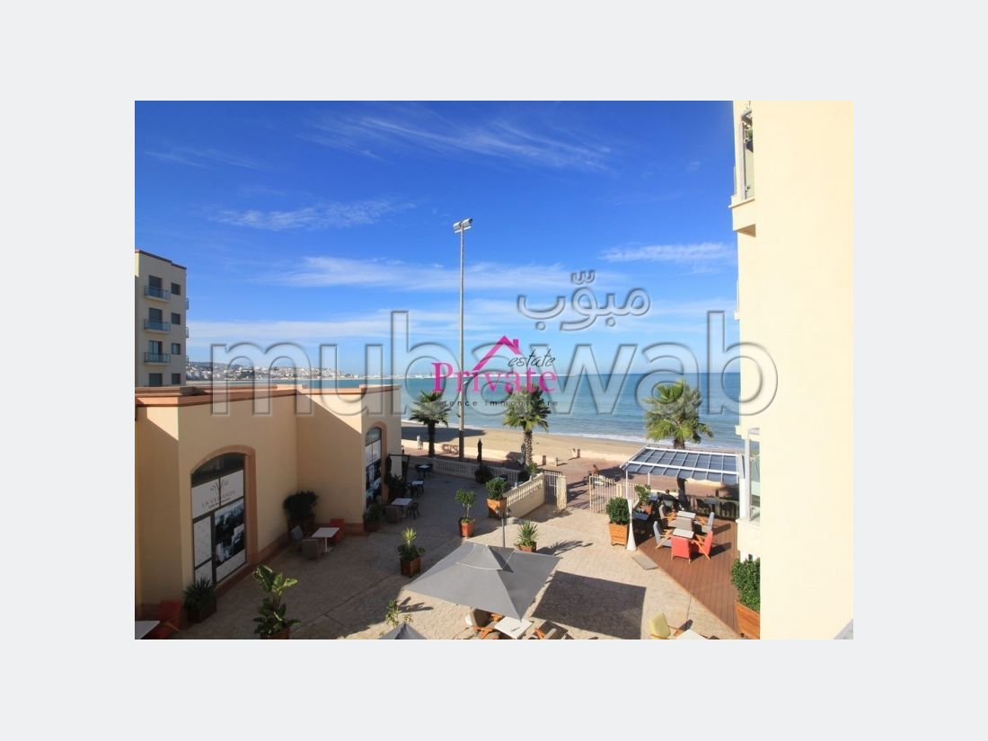 Find an apartment to buy. Area of 83 m². Garage and terrace.
