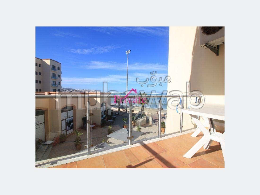 بيع شقة بطنجة. المساحة 83 م². موقف السيارات وشرفة.
