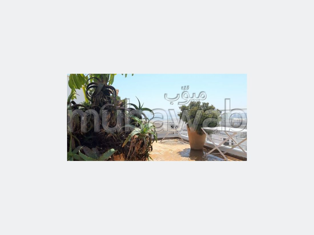 Magnífica villa en venta. Área total 120 m². Excepcionales vistas al mar, calefacción central.