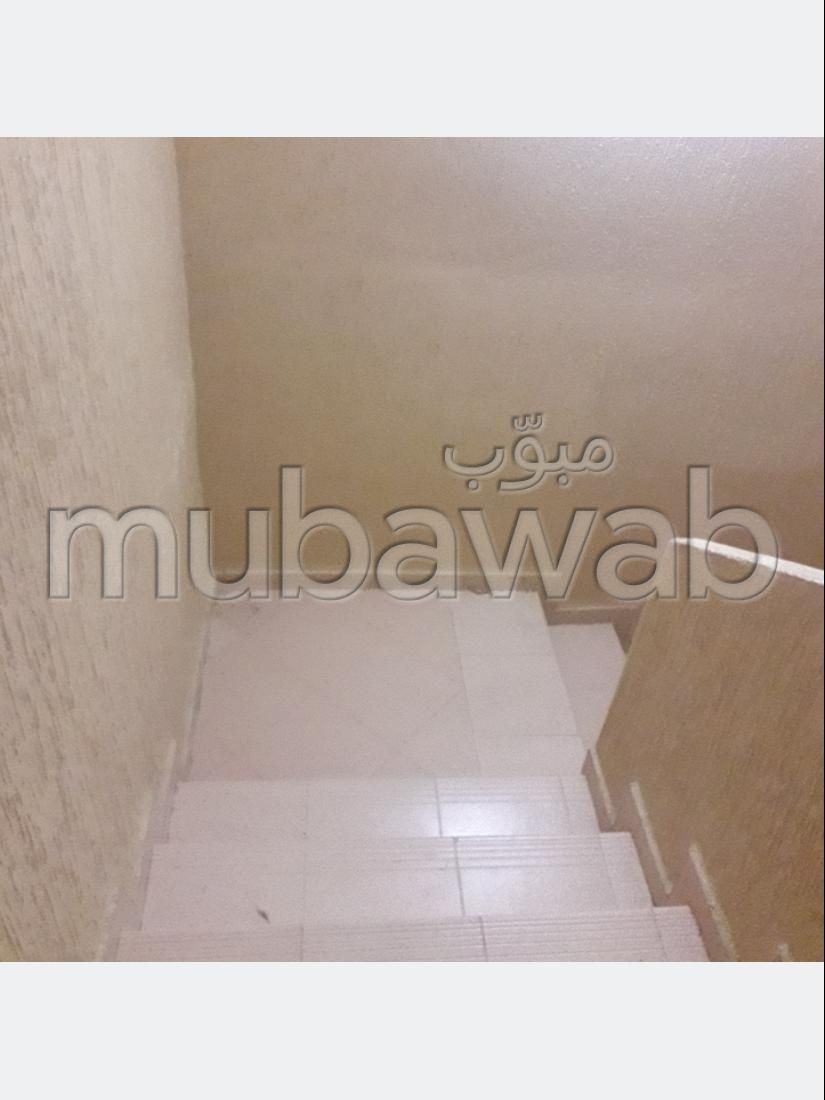 Somptueuse villa à vendre à Casablanca. 15 pièces. Terrasse et jardin