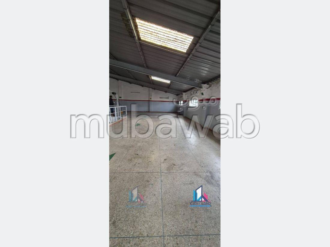 Oficinas y locales comerciales en alquiler en Zone Industrielle Mghogha. Area 600 m². Seguridad in situ.