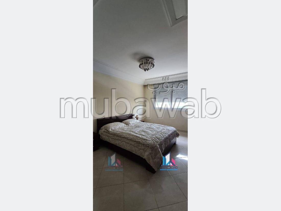 شقة رائعة للإيجار ب ايبرية. 3 غرف. مفروشة.