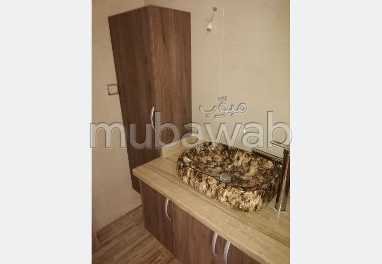 Appartement à vendre à El Jadida. Haut de villa 3 façades 2 belles chambres. Belle terrasse et jardin