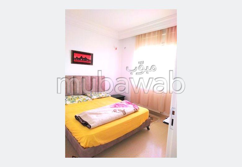 Appartement en location. Superficie 55 m². Double vitrage et chauffage central.