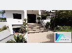 Luxury Villa for rent in De La Plage. 7 comfortable rooms. Typical Moroccan living room, secured residence.