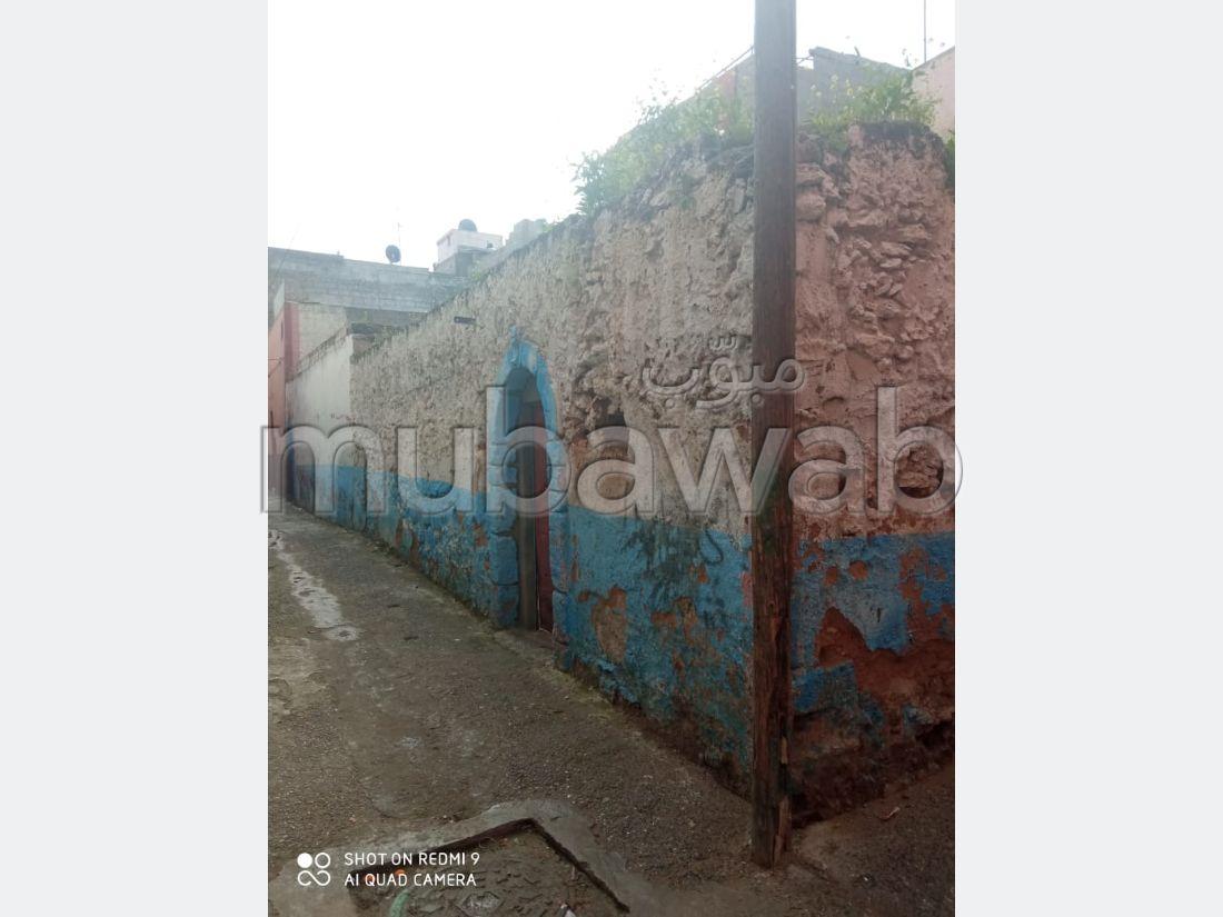 Achat de terrain à El Jadida. Superficie 202 m². Ancienne maison à démolir