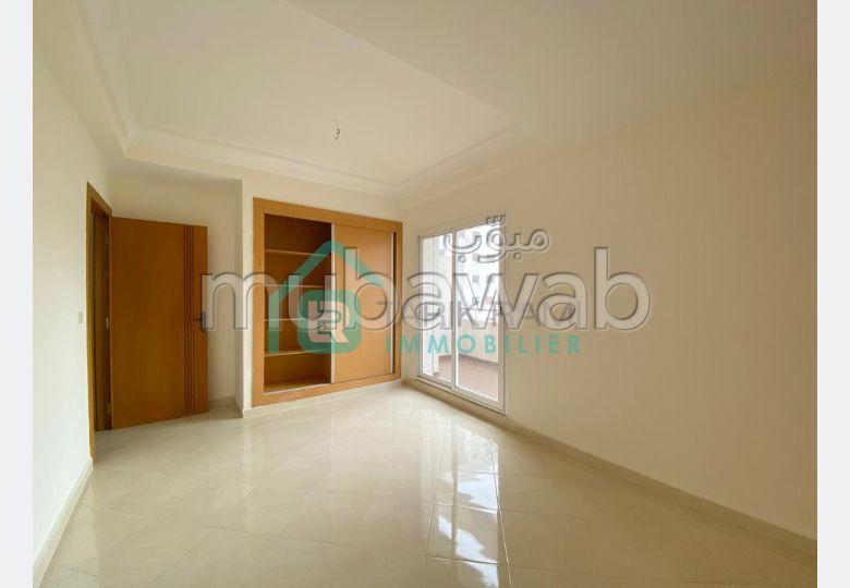 Bonito piso en venta en Castilla. Dimensión 60 m². Parking y ascensor.