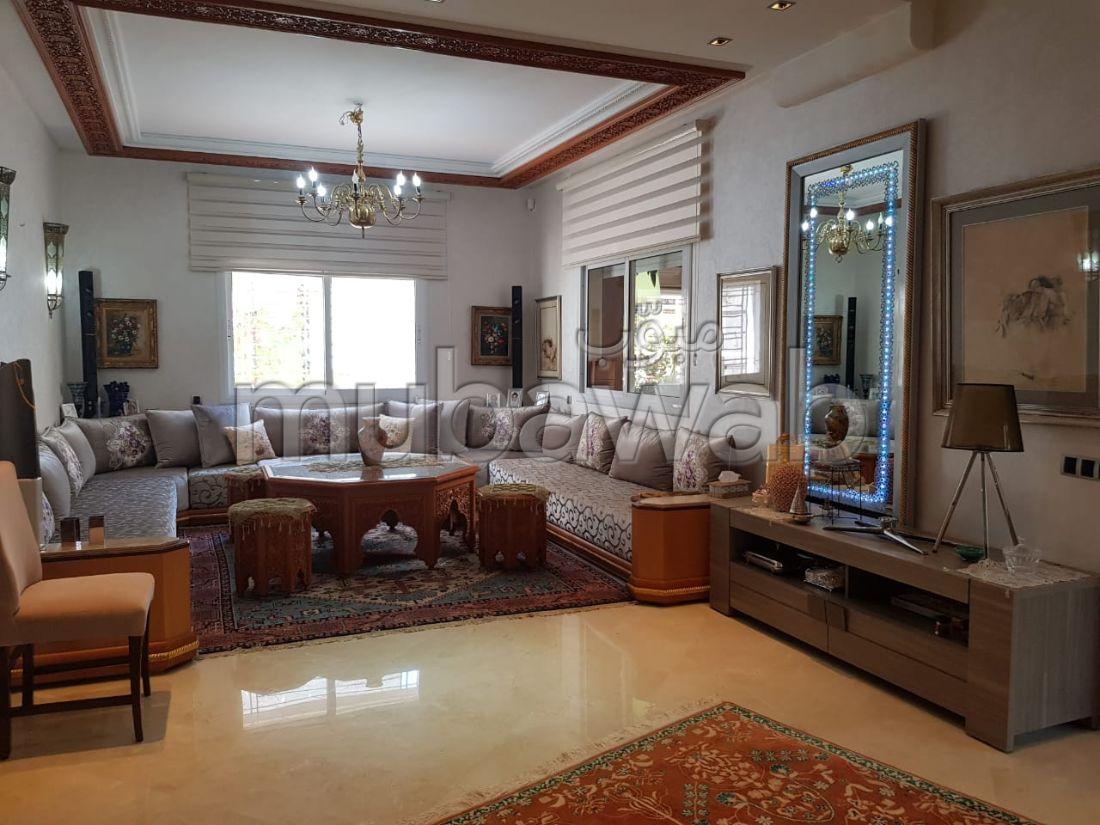 Casa de lujo en venta en Achakar. 3 habitaciones confortables.