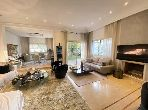 Luxury home for sale in Californie. Small area 413 m². Usable fireplace, Integrated air conditioners.