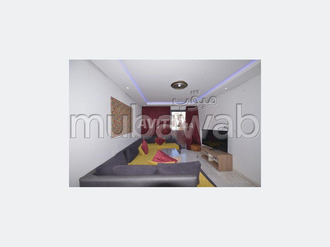 Encuentra un piso en alquiler en Guéliz. 3 Pequeña habitación. Amueblado.
