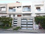 Villa de alto standing en venta en Sidi Maarouf. Gran superficie 369 m². propiedad con piscina, aire condicionado integrado.