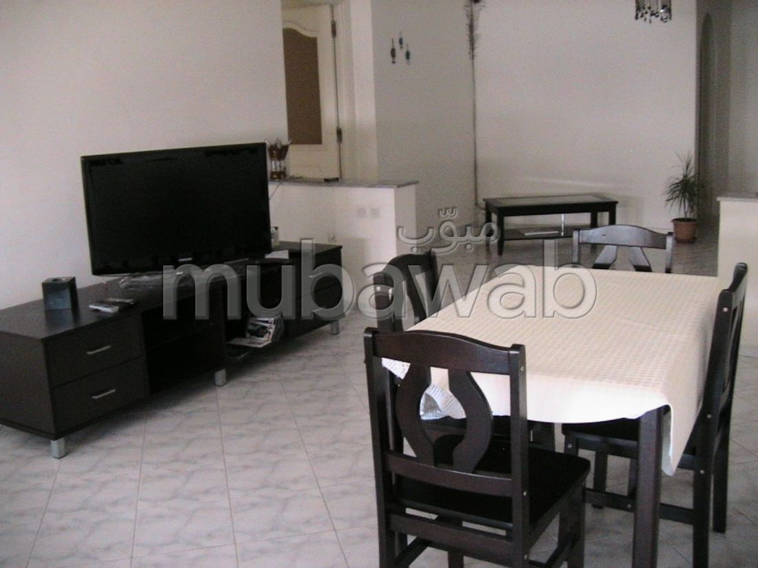 Lovely apartment for rent in Administratif. 4 Surgery. Terrace and lift.