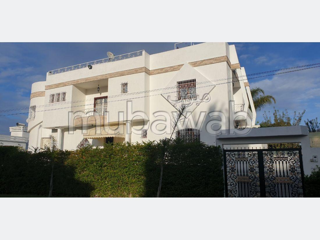 Villa de lujo en venta en Oulad Wjih. 4 Habitacion grande. Garaje y terraza.