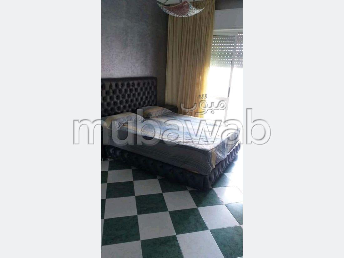 Très bel appartement en location à Tanger. 1 belle chambre. Meublé