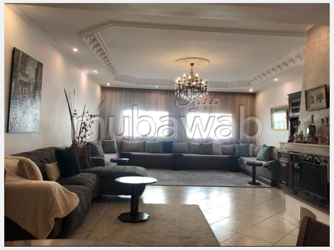 Beautiful apartment for sale in Les Hôpitaux. 3 rooms. With garage and lift.