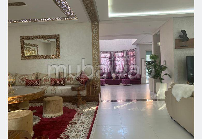 Villa de haut standing à vendre à Sidi Maarouf. Surface de 250 m².