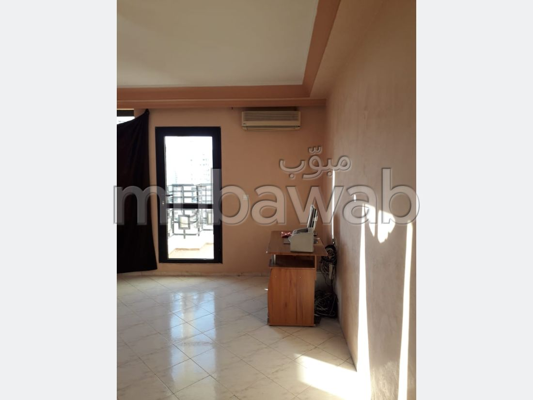 Sale of a lovely apartment in Centre. 3 lovely rooms.