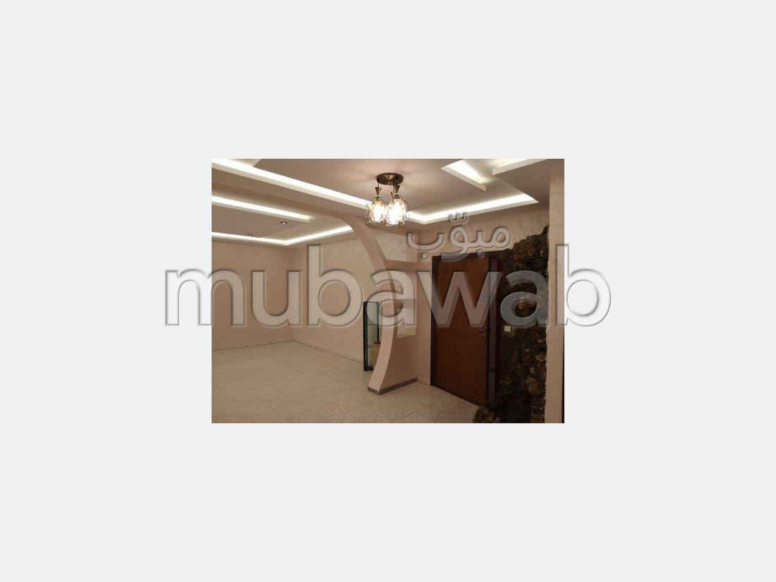 Bonito piso en venta en Bourgogne Ouest. Superficie 123 m². Ascensor y garaje.