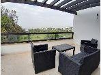 شقة للإيجار بالدارالبيضاء. المساحة 200.0 م². شرفة وحديقة.