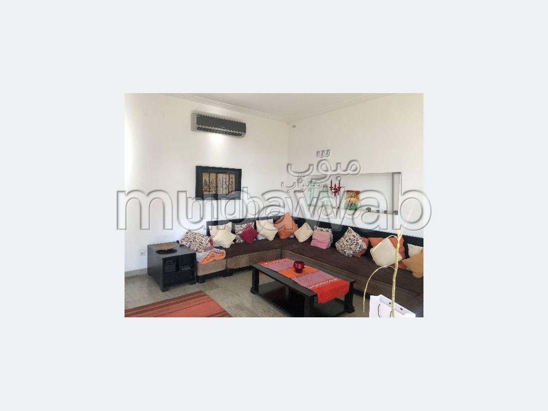 Vente villa de luxe à Casablanca. 8 pièces. Salon Marocain, sécurité
