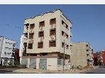 بيع شقة ب بئر الرامي الشرقية. المساحة 55 م². صالة تقليدية ونظام طبق الأقمار الصناعية.