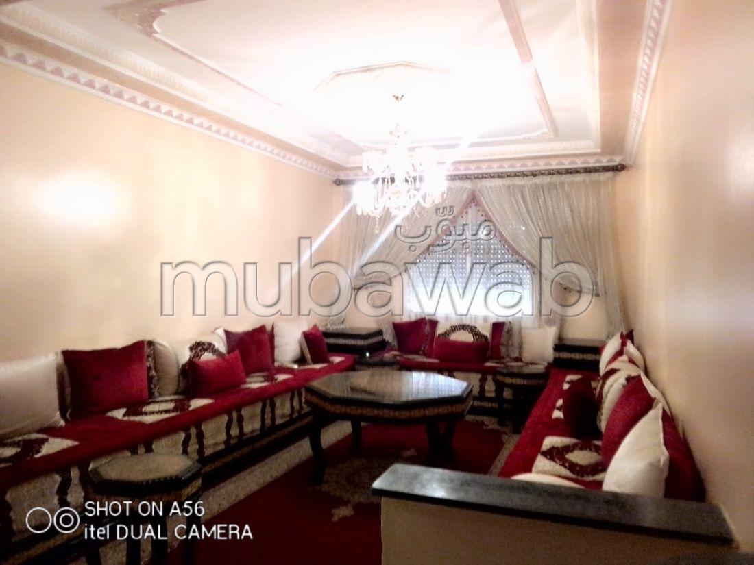 Location d'un appartement à Achakar. Surface de 80 m². Bien meublé.