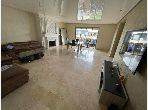 شقة رائعة للبيع ببوسكورة. المساحة الإجمالية 155 م². شرفة ومصعد.