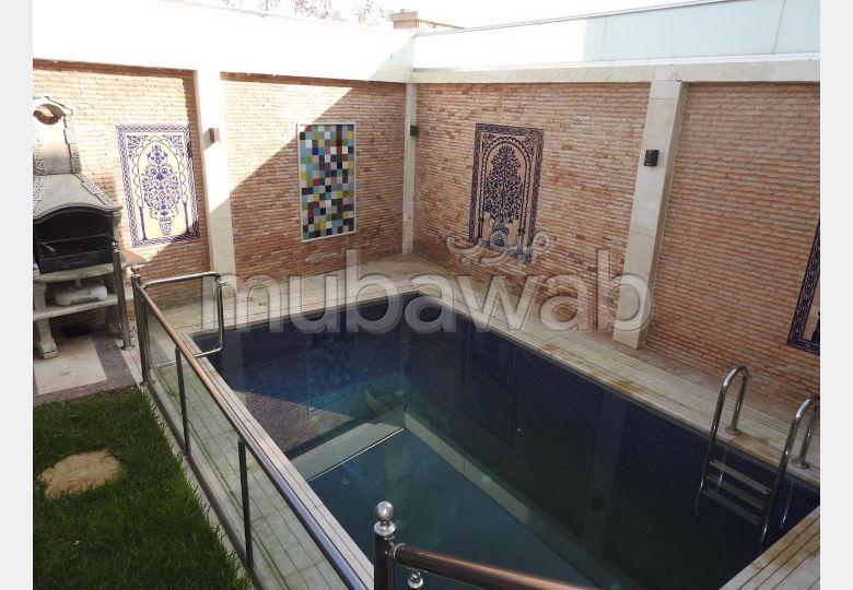 Maison de luxe à vendre à Tanja Balia. 6 pièces confortables. Vue sur la mer, chauffage central.