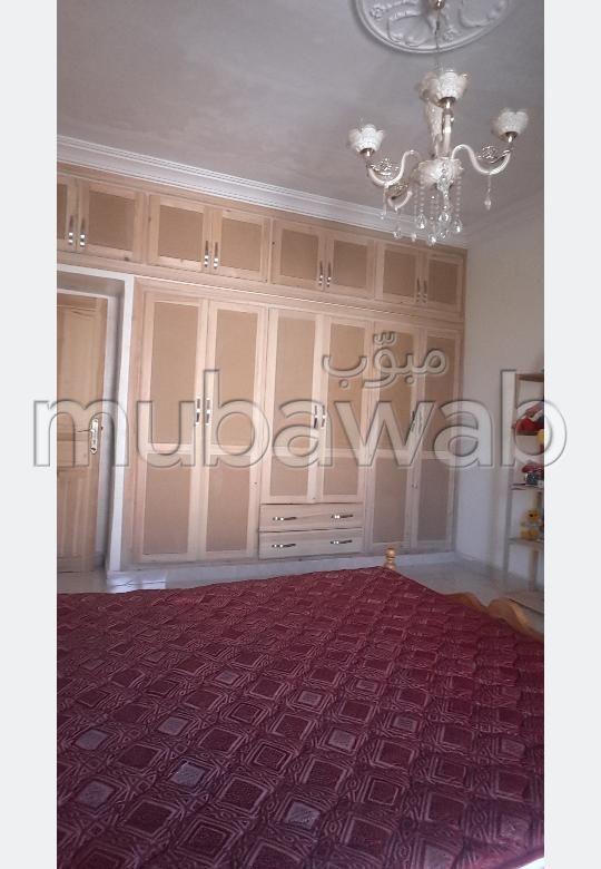 Casa en venta en Mhamid. 4 Hermosas habitaciones. Garaje y terraza.
