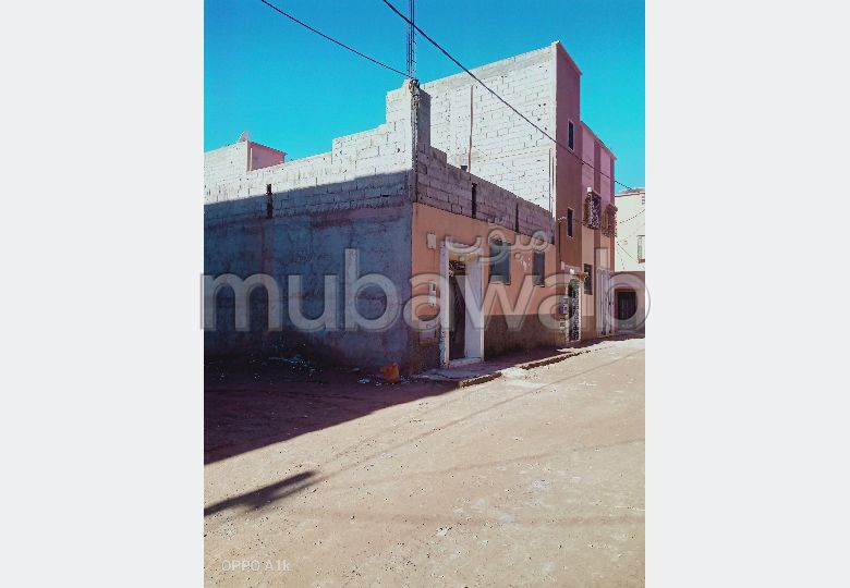 House for sale in Route d'Agadir - Essaouira. Small area 80 m². Satellite dish.