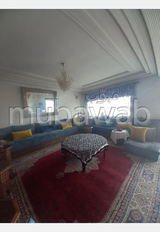Magnífico piso en venta en Nouvelle Ville. 5 Estudio. Sala de estar tradicional marroquí, barrio seguro.