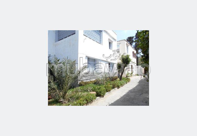 suntuosa casa en venta en Les Crêtes. 8 Gabinete. Parking y jardin.