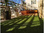 Piso en alquiler en Bourgogne Est. Pequeña superficie 60 m². Con ascensor y terraza.