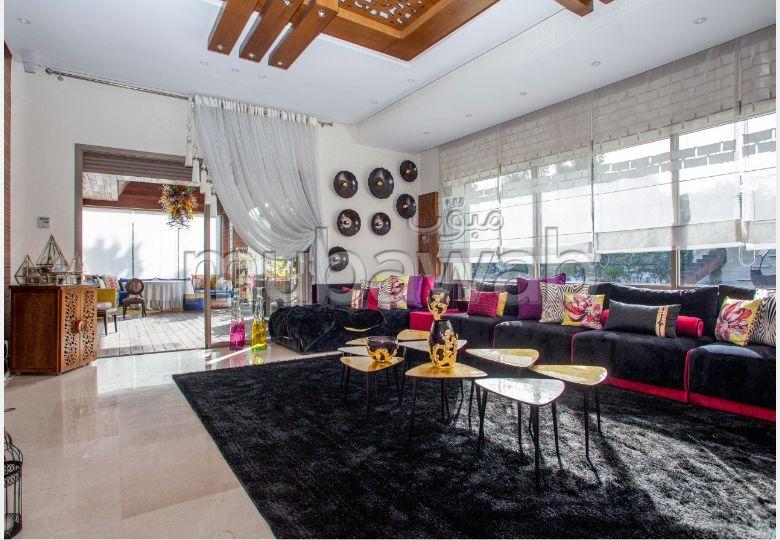 Esplendida villa en venta en Californie. 9 habitaciones. Parking y terraza.