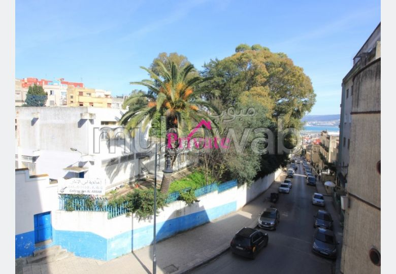 Beautiful apartment for sale. Dimension 163 m². Sea view, central heating.