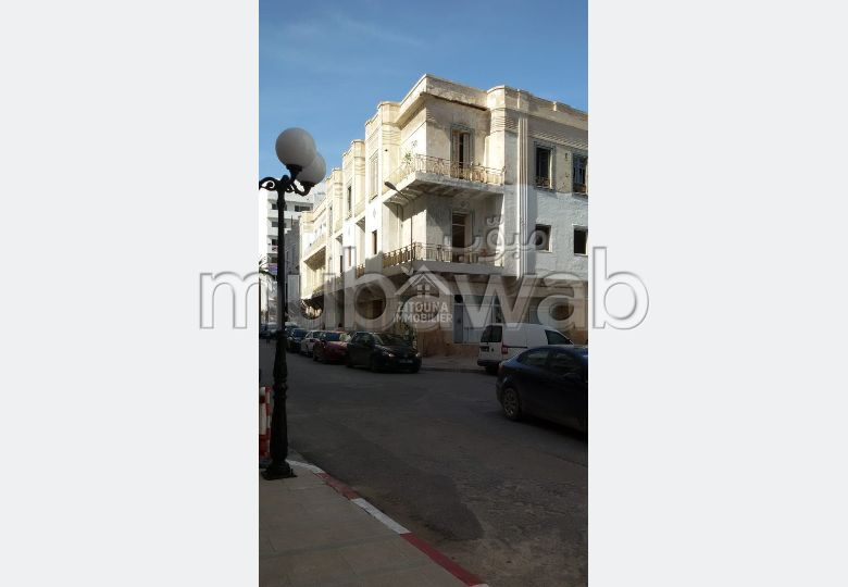 Fabulous apartment for sale. Small area 818 m².