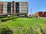 Très bel appartement en location à Marrakech. Superficie 75 m². Résidence avec concierge, climatisation générale