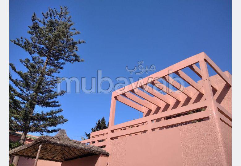 Magnificent villa for sale in Longchamps (Hay Al Hanâa). 12 Cabinet. Parking spaces and garden.