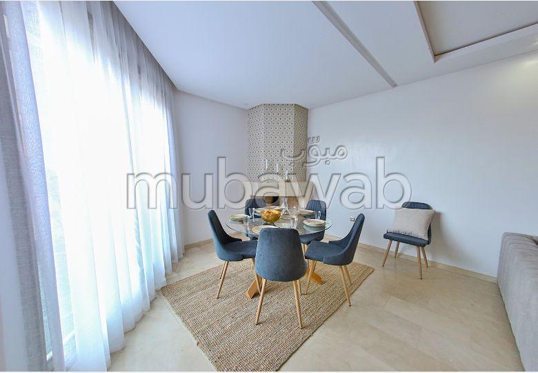 Magnífico piso en venta en Californie. 2 Bonitas habitaciones. Climatisación general.