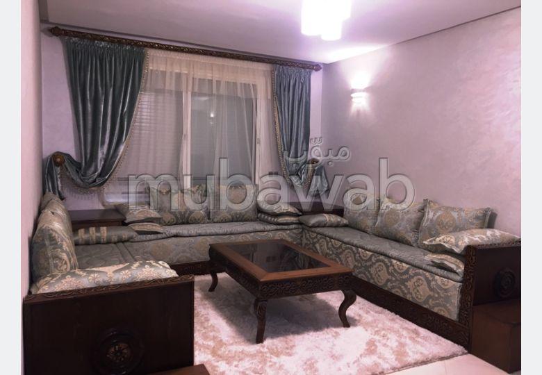 Precioso piso en alquiler en Tanja Balia. 3 Gabinete. Salón tradicional y puerta blindada.