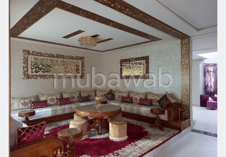 Luxury villa for sale in Sidi Maarouf. Area of 250 m². Garden and terrace.