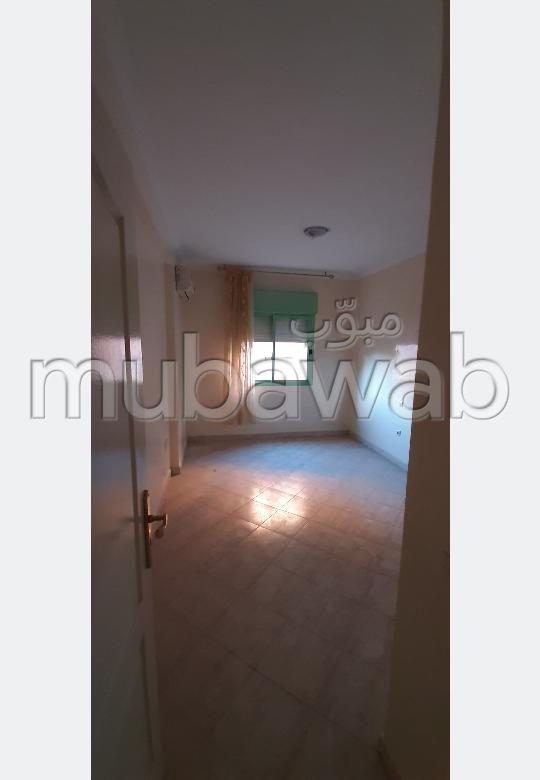 Magnífico piso en venta en Route de Safi. 2 Bonitas habitaciones. Espacios verdes y ascensor.