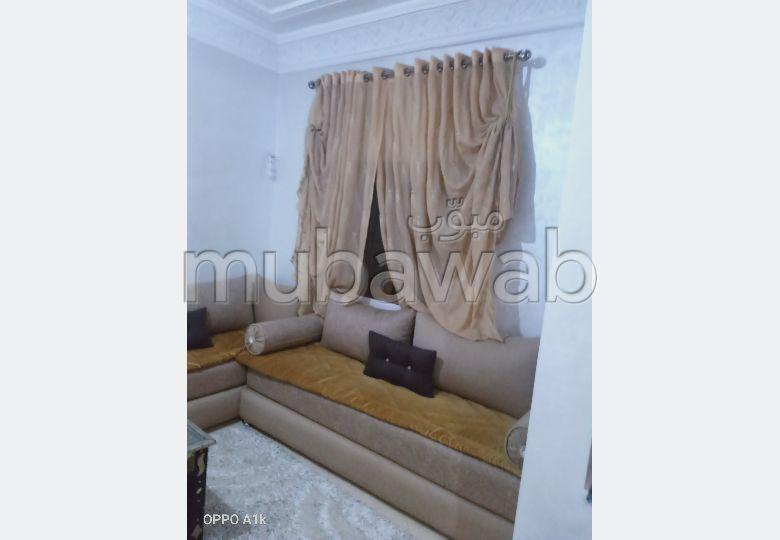 Appartement à vendre à Hay Salam. Surface de 72 m². Belle terrasse et jardin.