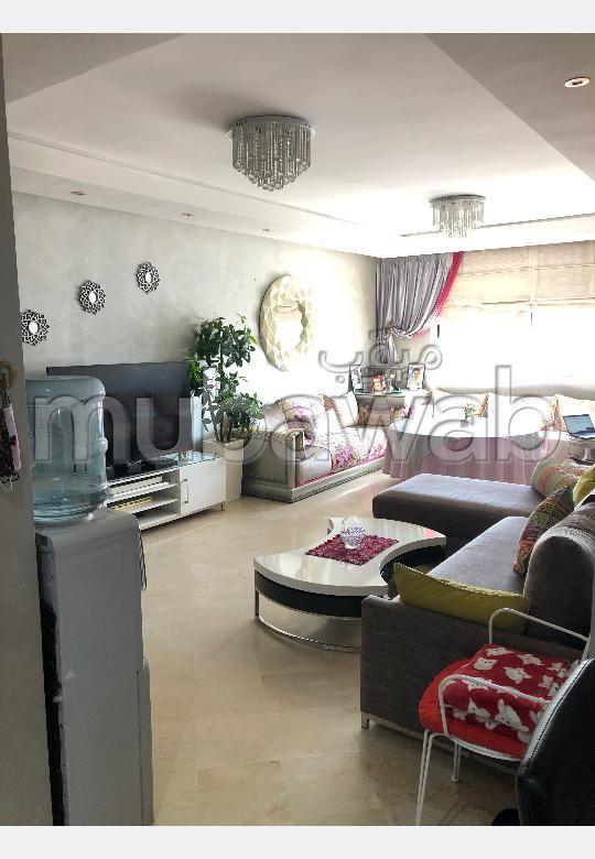 Magnífico piso en venta en Maârif Extension. 7 Gabinete. Salón tradicional y antena parabólica.