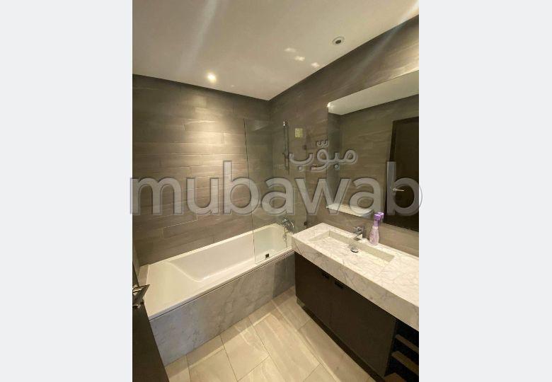 Precioso piso en alquiler. Dimensión 150 m². Amueblado.