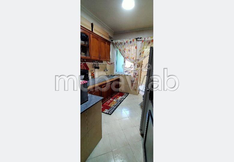 شقة رائعة للبيع ب الجيراري. المساحة الكلية 95 م². شرفة كبيرة.