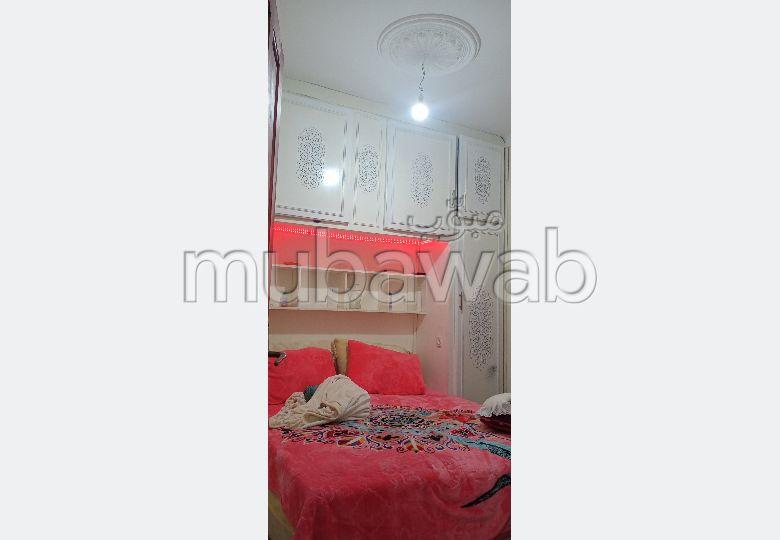 Maison à acheter à Bab Lhmar. 1 Pièce. Jardin et garage.