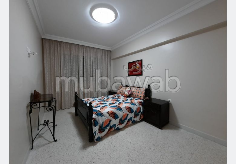 Magnífico piso en alquiler en Charaf. 3 Estudio. Sin ascensor, gran terraza.